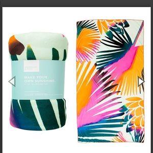 NWT Summer & Rose Palm Print Beach Towel
